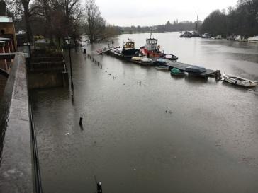 De Thames vrijdagnamiddag, na de regenbui